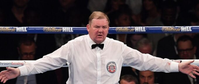 Boxing judge caught looking at phone during fight called before the stewards