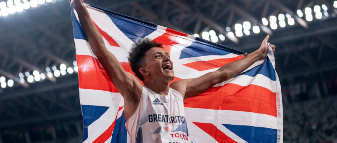 Paralympics day four: Thomas Young claims shock 100m victory as impressive Sophie Hahn defends title